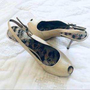 Sam Edelman heels Gold Peep Toe Sling back size 8